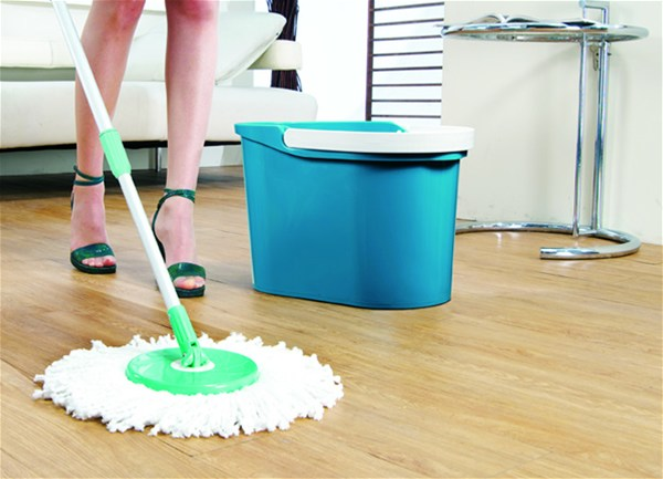 How To Use A Spin Mop?